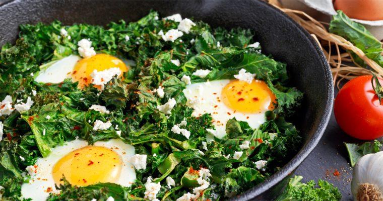 Boerenkoolstoof met eieren en feta