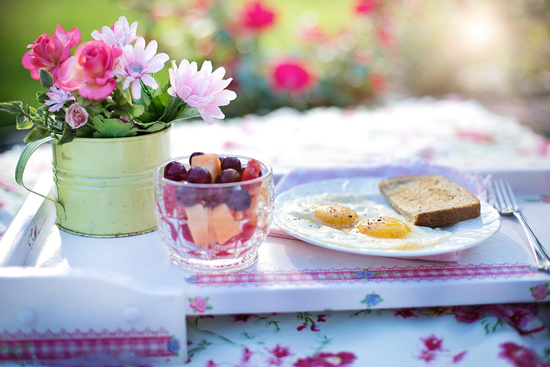 Gekookt ei of gebakken ei: wat bevat de minste calorieën?