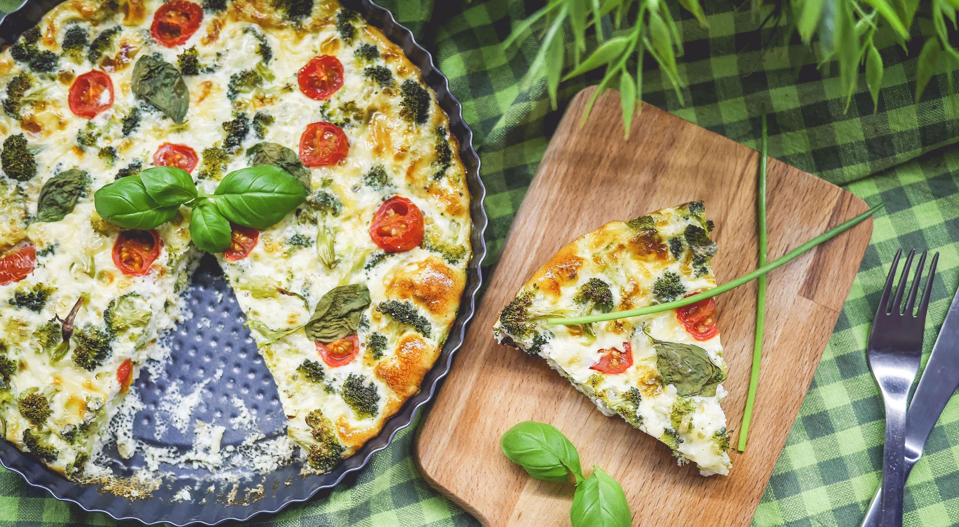 Broccoliquiche met tomaat en geitenkaas