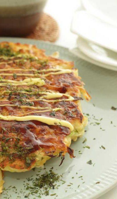 Okonomiyaki (hartige Japanse pannenkoek)