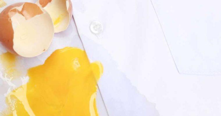 Eivlekken verwijderen uit kleding of vloerbedekking: zó doe je dat