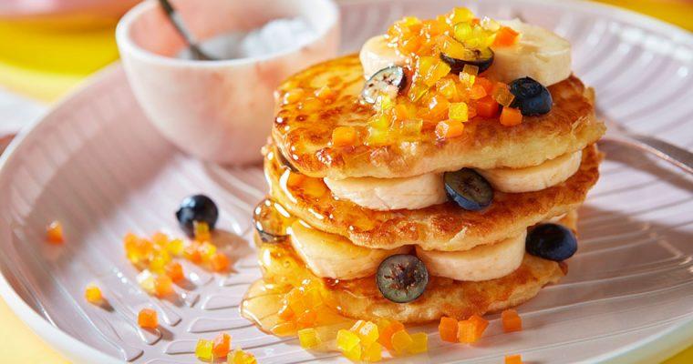 Wortelpannenkoekjes met vers fruit en honing