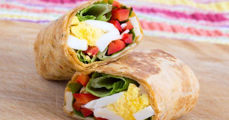 Lunchwraps met kip, paprika en ei